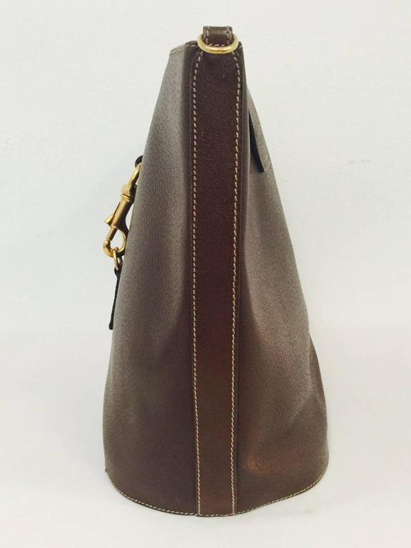 08e4ddf7af9 Black Vintage Gucci Brown Leather Bucket Bag With Signature Web Shoulder  Strap For Sale