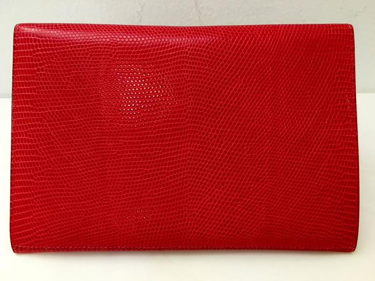 Hermes Red Lizard Envelope Clutch In Excellent Condition For Sale In Palm Beach, FL
