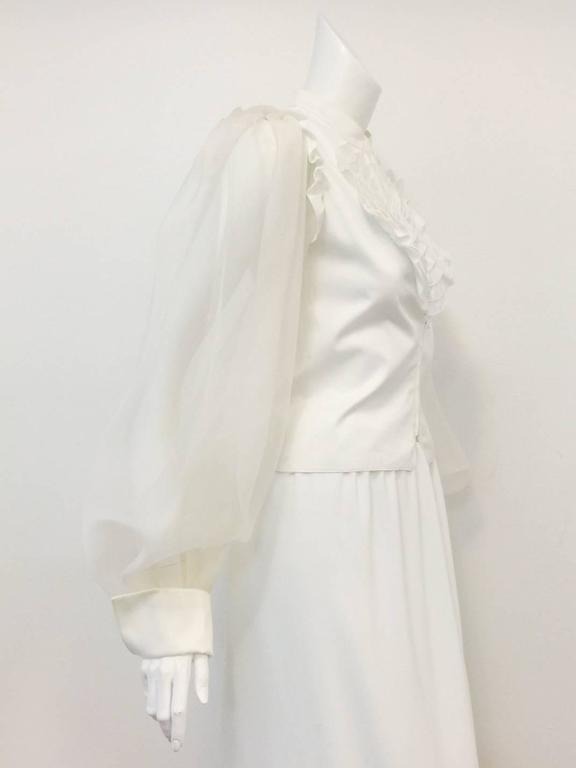 Women's Very Valentino Ivory Blouse With Voluminous Poet Sleeves and Ruffled Bodice For Sale