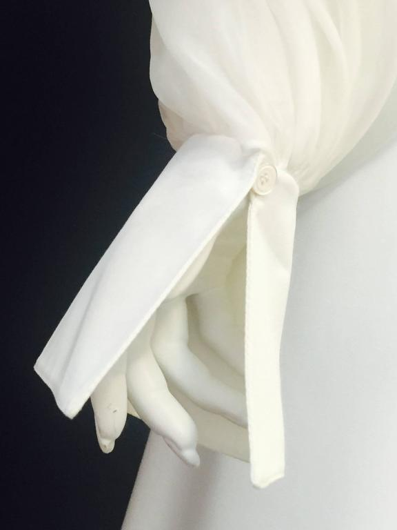 Very Valentino Ivory Blouse With Voluminous Poet Sleeves and Ruffled Bodice For Sale 2