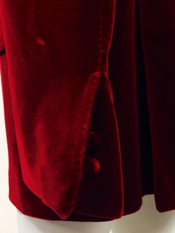 Iconic 2004 Fall Tom Ford For Gucci Burgundy Velvet Men's Smoking Jacket  For Sale 1