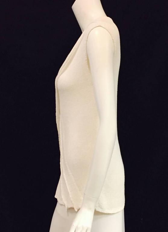 Chanel Longer Length Ivory Stretch Top With V-Neckline and Cap Sleeves  In Excellent Condition For Sale In Palm Beach, FL
