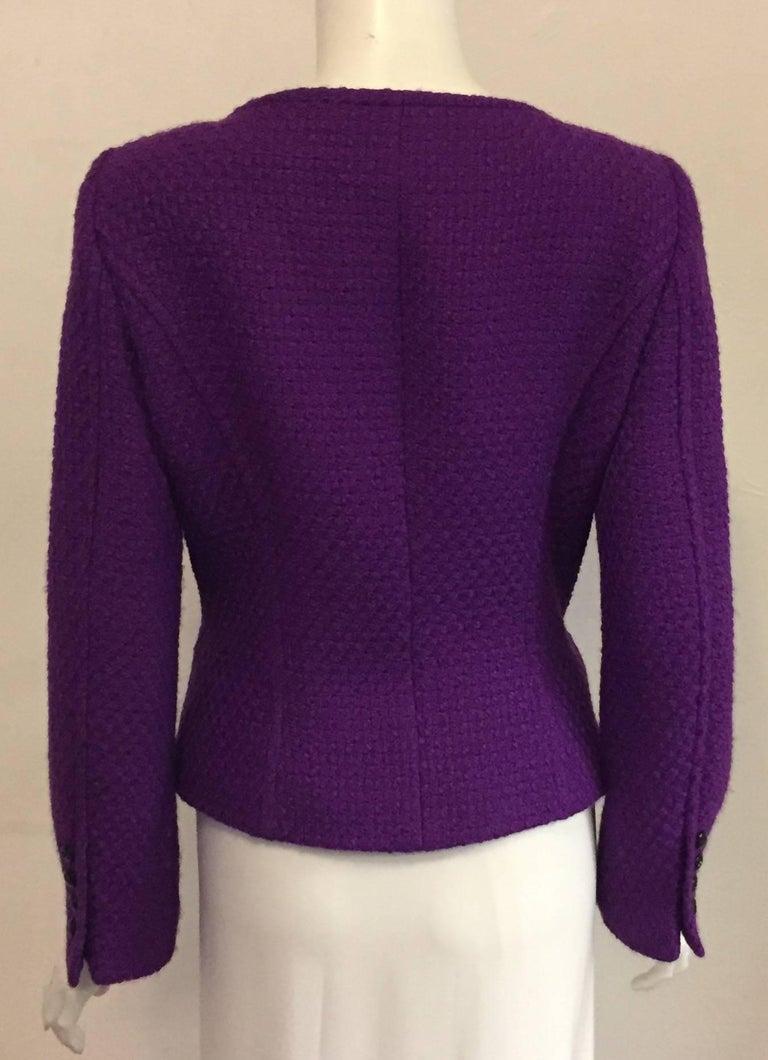 Elegant Escada Purple Wool Tweed Boucle Fitted Jacket For