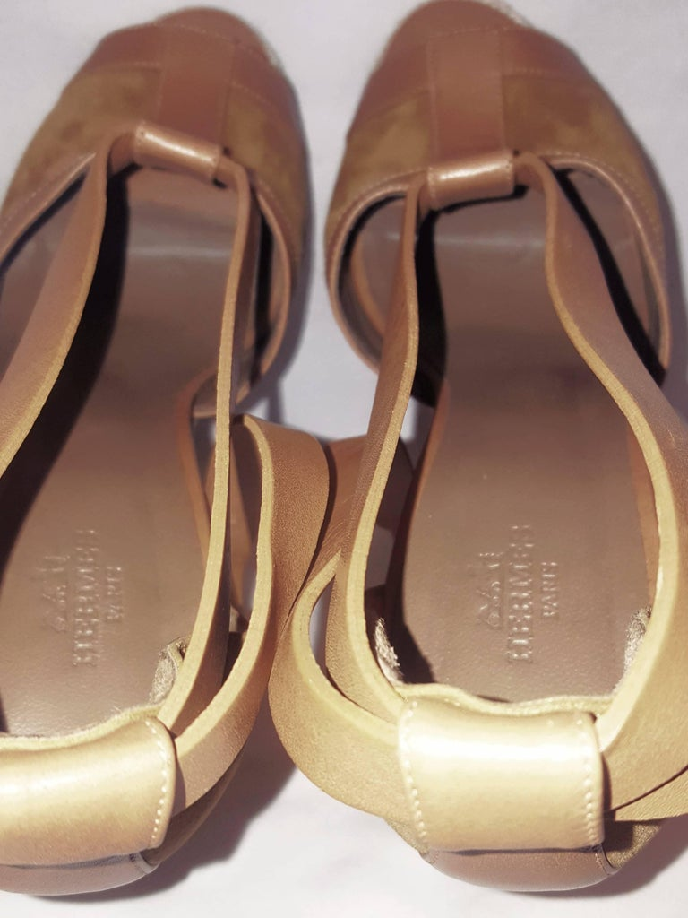 e0202fad9077 Hermes Tan Suede and Leather Wooden Wedge Ibiza Sandals In Excellent  Condition For Sale In Palm