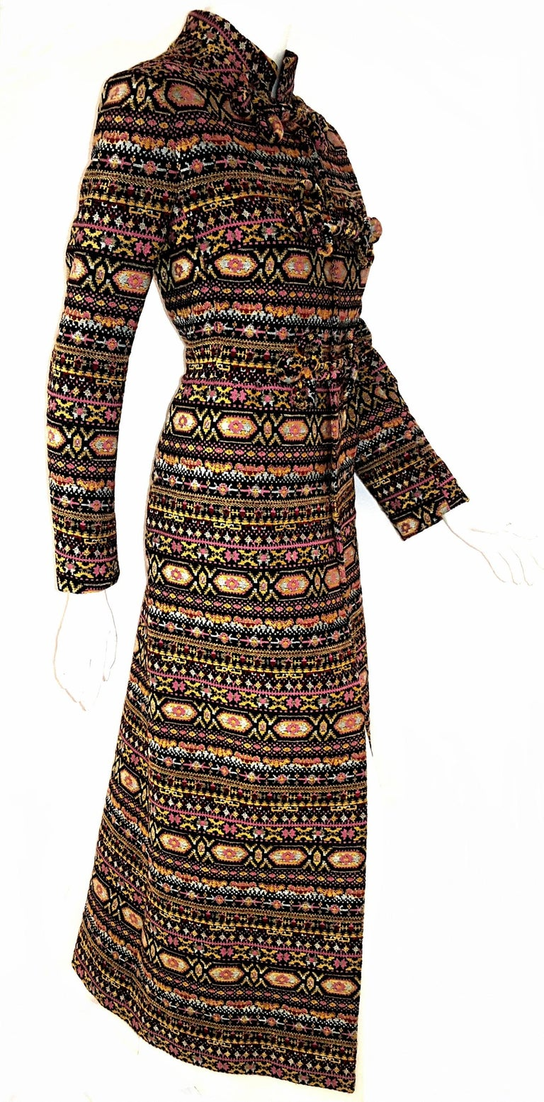 Valentino Tapestry Pattern 2012/13 Runway Collection Long Coat In Excellent Condition For Sale In Palm Beach, FL