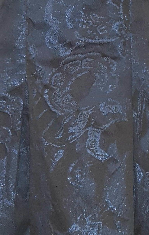 Carolina Herrera Black & Blue Metallic Brocade Feminine Cap Sleeve Dress  For Sale 1