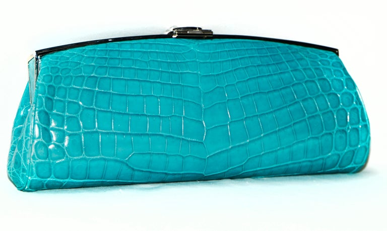Judith Leiber Turquoise Croc Clutch With Crystal Top Closure In Excellent Condition For Sale In Palm Beach, FL