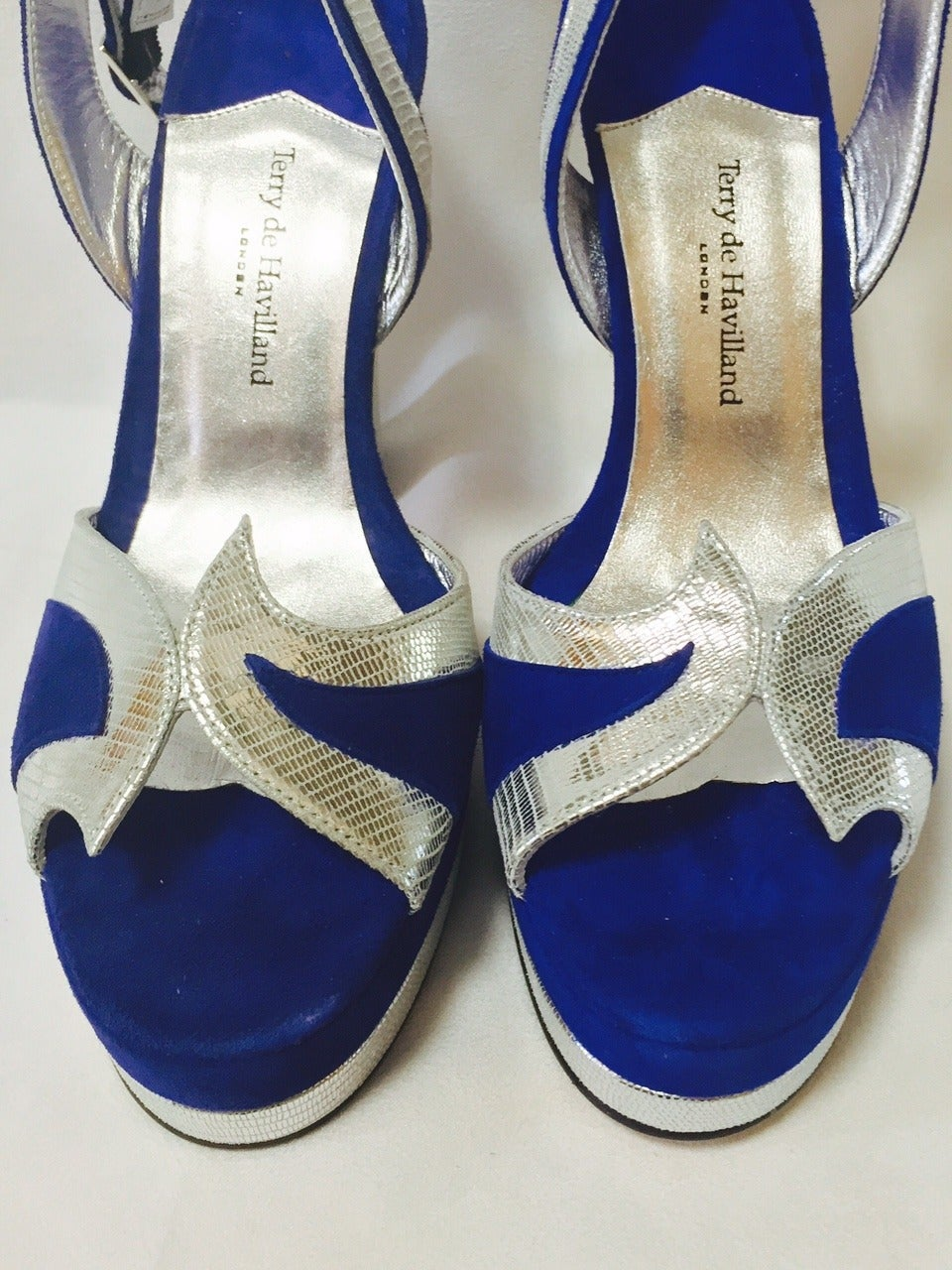 New Terry de Havilland Blue Suede Platform Stacked High Heel Sandals In New never worn Condition For Sale In Palm Beach, FL