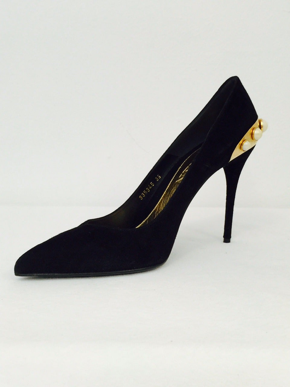 Awe-Inspiring Alexander McQueen Black Suede Evening Pumps with Pearls 2