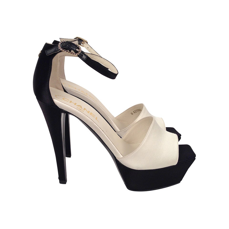 chanel black and white satin platform evening sandals at