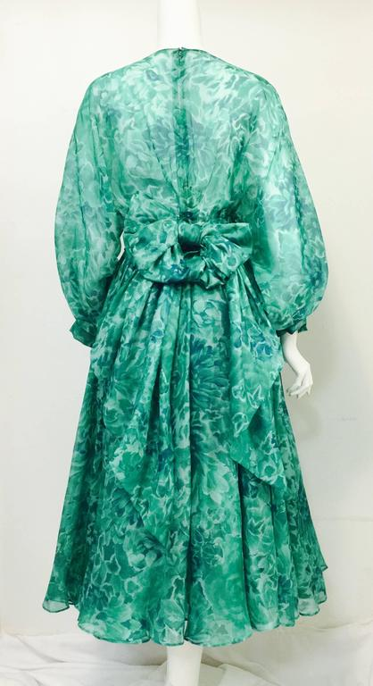 Custom Nina Ricci Paris Green Floral All Silk Day Dress  In Excellent Condition For Sale In Palm Beach, FL