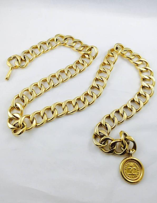 Vintage Chanel Chain Belt With Medallion  4