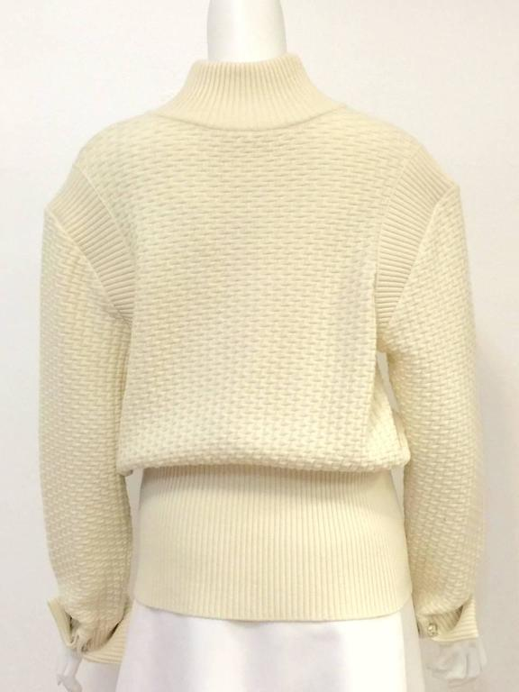 Chanel 100% Ivory Wool Pullover Sweater With Triple Strand Necklace For Sale 1