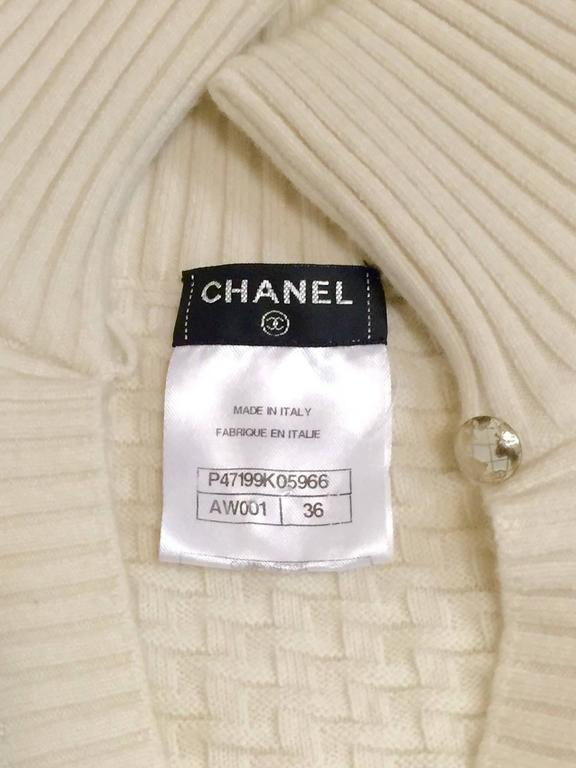 Chanel 100% Ivory Wool Pullover Sweater With Triple Strand Necklace For Sale 3