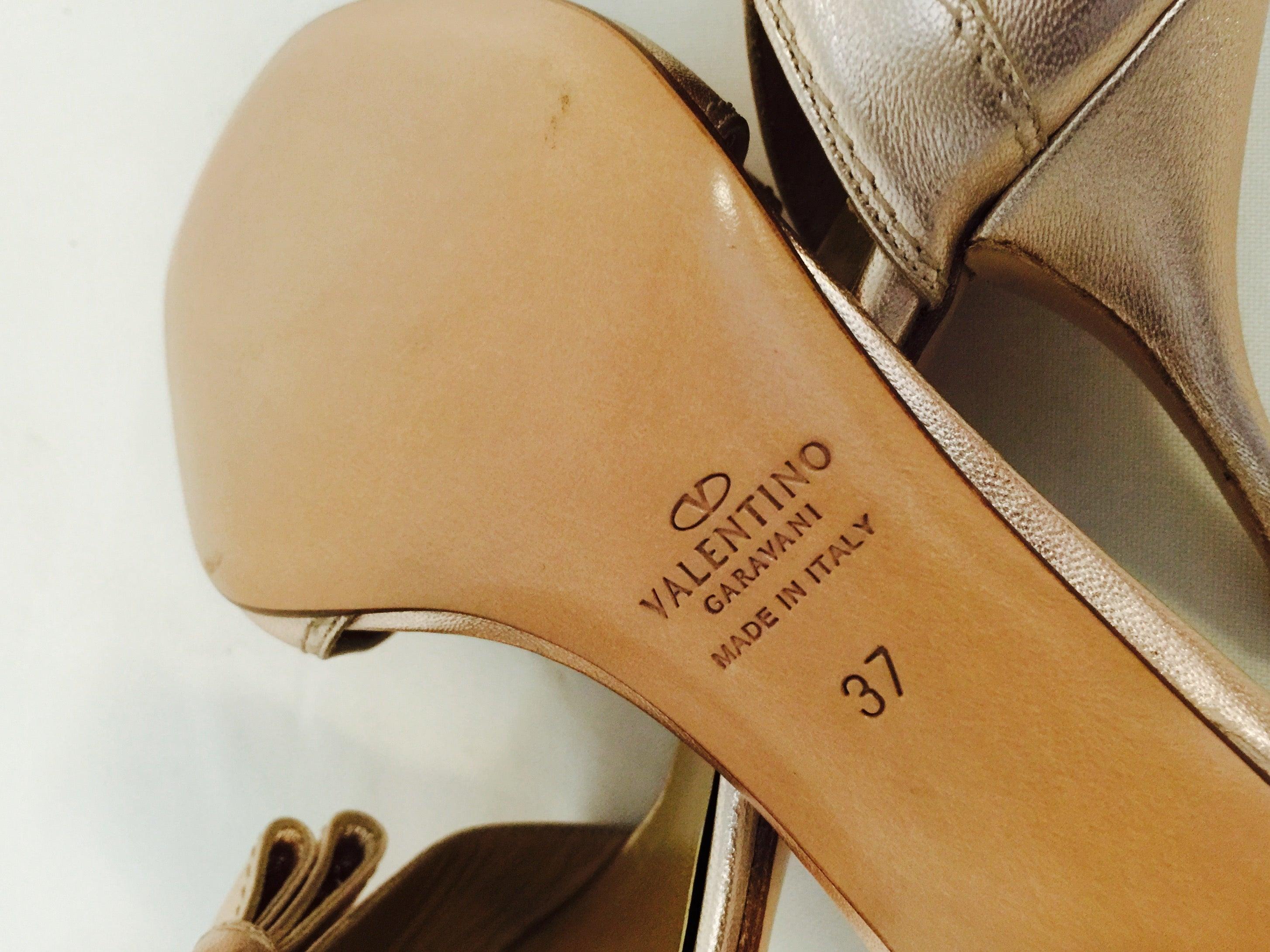 a548e1d333a6 Valentino Garavani Rose Gold Metallic Leather High Heel Sandals For Sale at  1stdibs