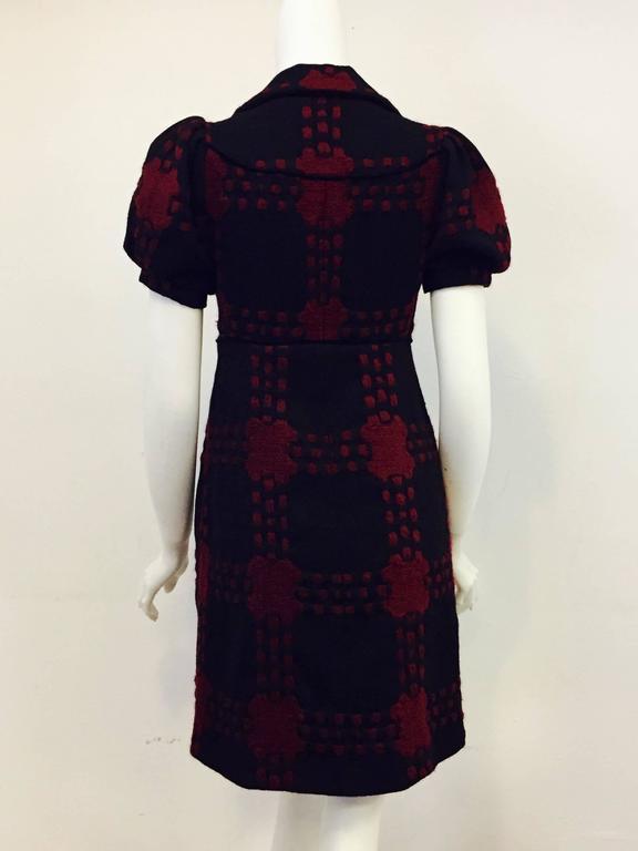 Gucci Black & Burgundy Wool Geometric Design Dress in Dress 38 EU In Excellent Condition For Sale In Palm Beach, FL