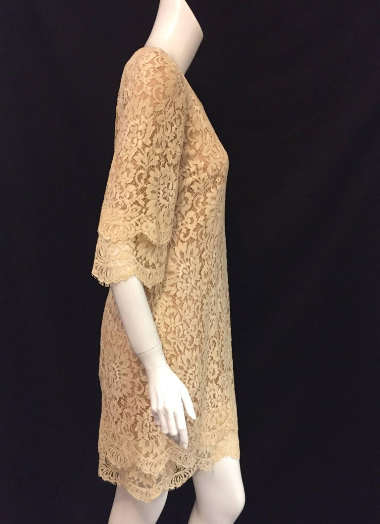 Modern Michael Kors Beige Lace Dress With Double Layer Cuffs and Hem For Sale 2