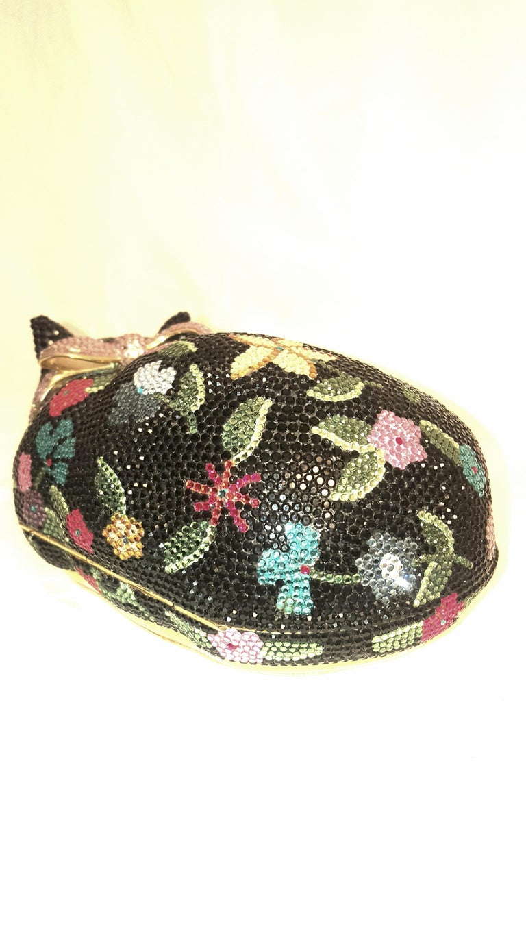 Judith Leiber Sleeping Cat Jeweled Crystal Minaudière Clutch Bag In Excellent Condition For Sale In Palm Beach, FL