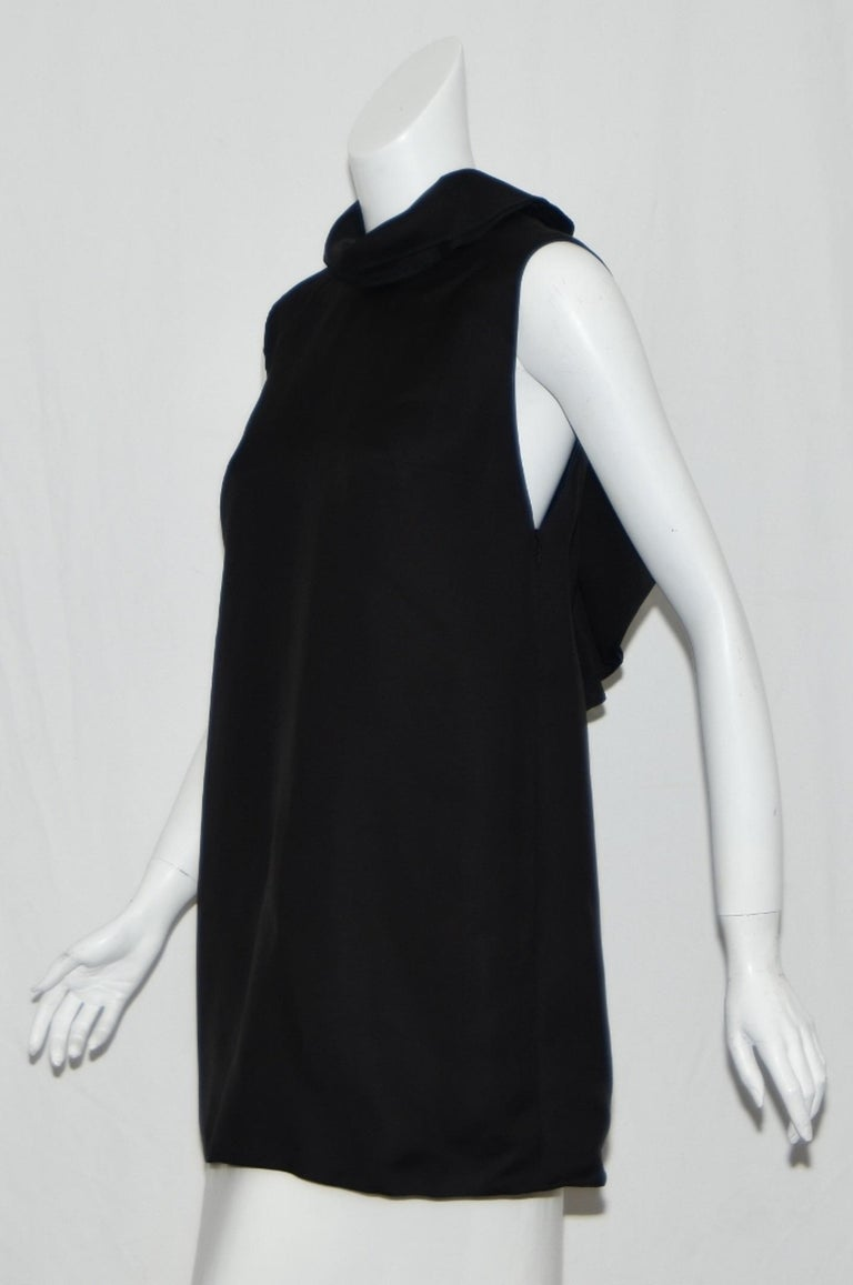 Gucci Ruffle & Backless Dress 44 EU In Excellent Condition For Sale In Palm Beach, FL