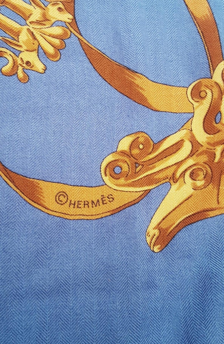 Hermes by Vladimir Rybaltchenko Blue and Gold Tone Les Cavaliers D'Or Shawl  For Sale 8