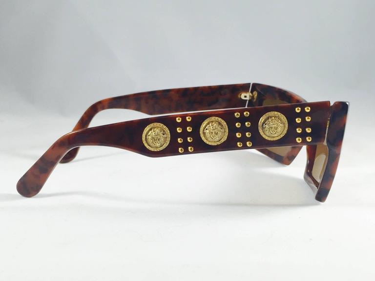 6dc0d0e634fe Brown 1990s Gianni Versace Tortoise Wayfarer Sunglasses With Mudusa Head  Temples For Sale