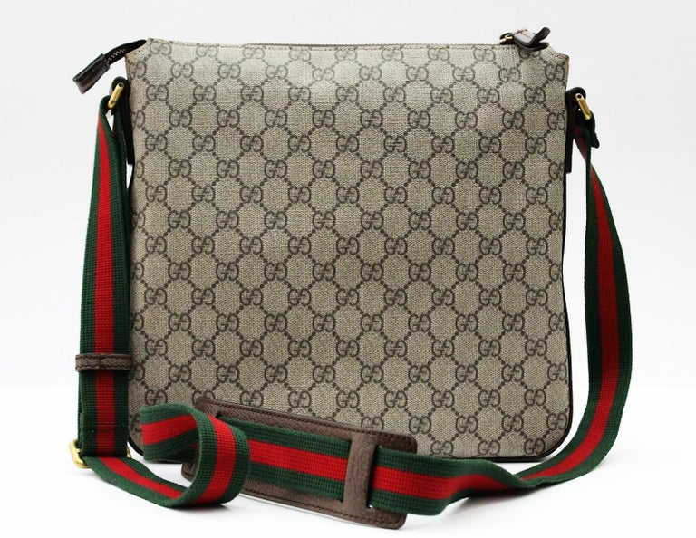 9cd68df4604 Gucci Gucci Courrier soft GG Supreme messenger In New Condition For Sale In  Torre Del Greco