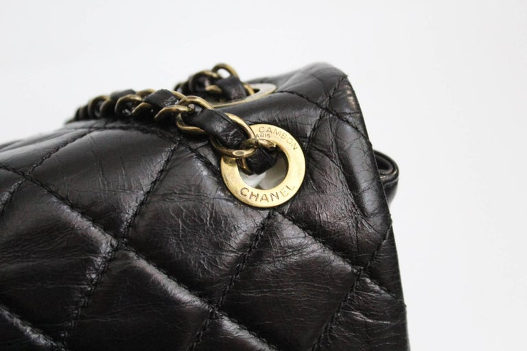 Women's Chanel Black Quilted Leather and Python Urban Mix Medium Flap Shoulder Bag For Sale