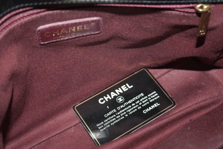 Chanel Black Quilted Leather and Python Urban Mix Medium Flap Shoulder Bag For Sale 3