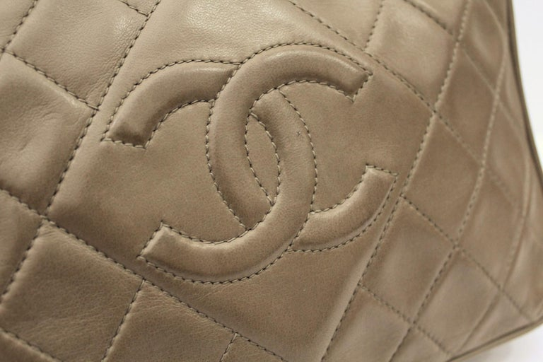 1990s Chanel Brown Leather Crossbody Bag For Sale 1
