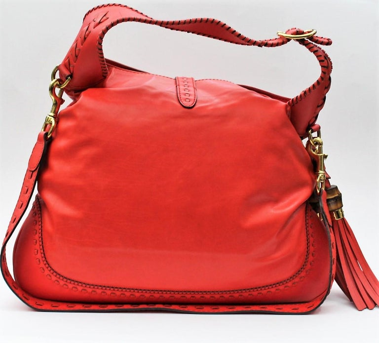 Gucci Red Leather Shoulder Bag In Excellent Condition For Sale In Torre Del Greco, IT