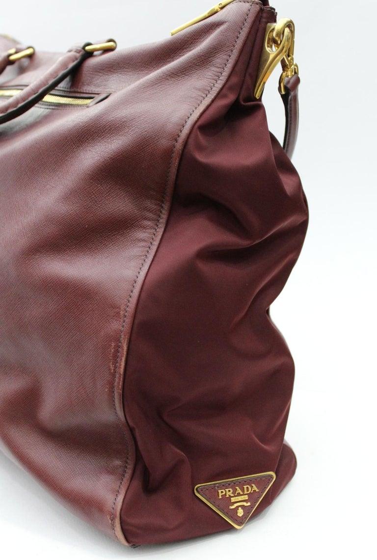 Women's Prada Bordeaux Leather Shoulder Bag For Sale