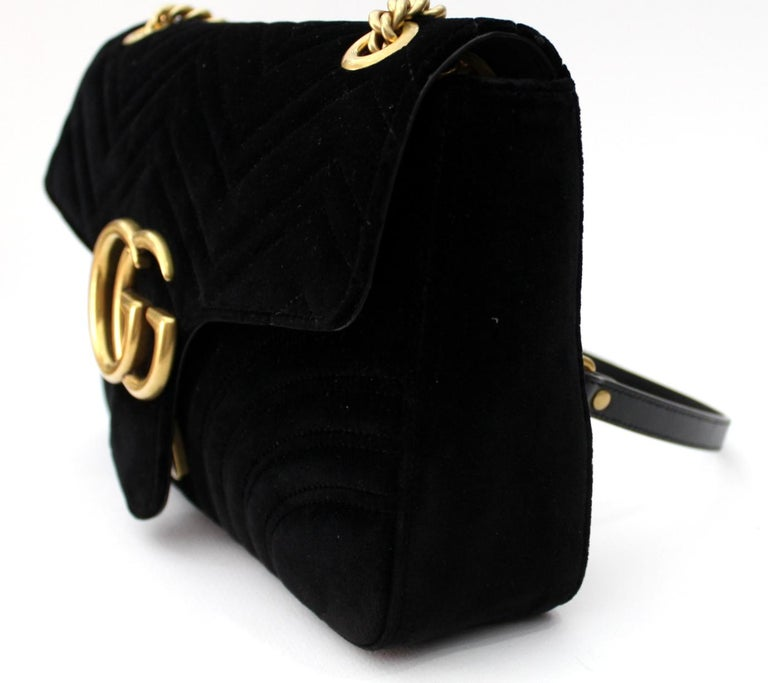51ce0ed6afd432 Gucci Black Velvet Marmont Bag In Excellent Condition For Sale In Torre Del  Greco, IT