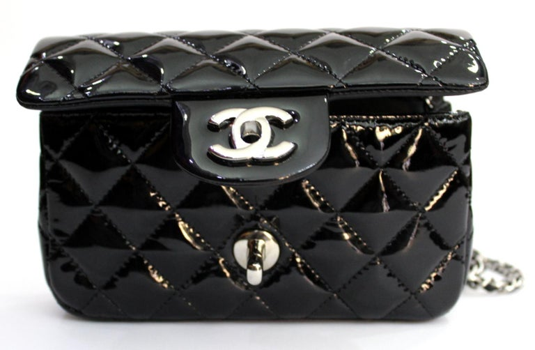 2013/2014 Chanel Black Patent Leather Bag In Excellent Condition For Sale In Torre Del Greco, IT