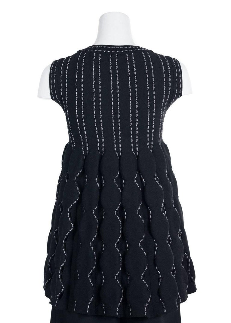 Alaia Women's Black Wool Blend Contrast Stitched Sleeveless Top For Sale 1