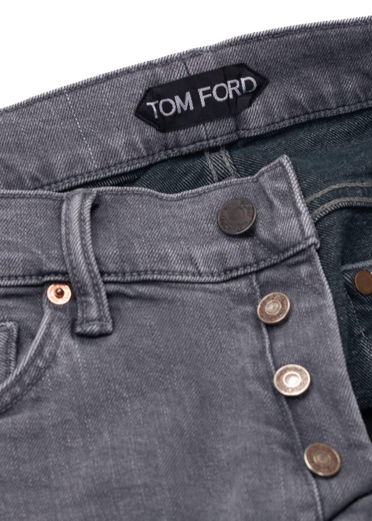 Gray Tom Ford Selvedge Denim Jeans Medium Grey Wash Size 32 Straight Fit Model   For Sale