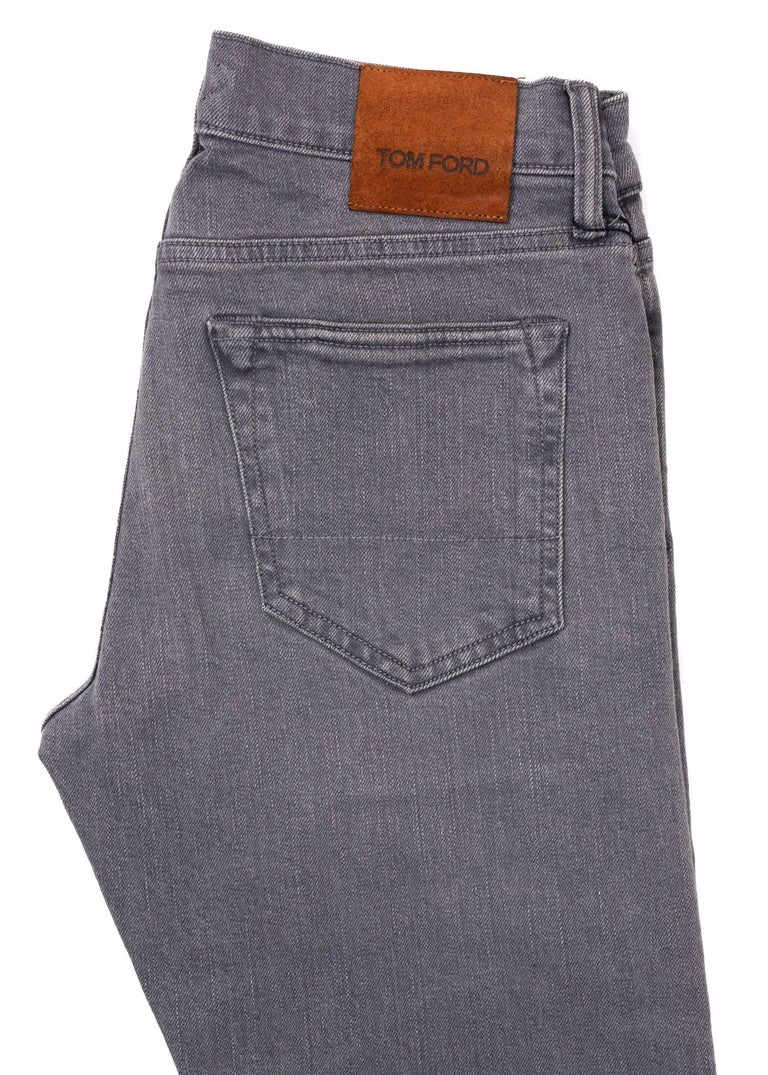 Tom Ford Selvedge Denim Jeans Grey Vintage Wash Size 36 Straight Fit Model In New Condition For Sale In Brooklyn, NY