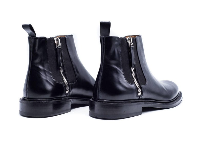 Givenchy Mens Black Leather Double Zip Detail Ankle Boots In New never worn Condition For Sale In Brooklyn, NY