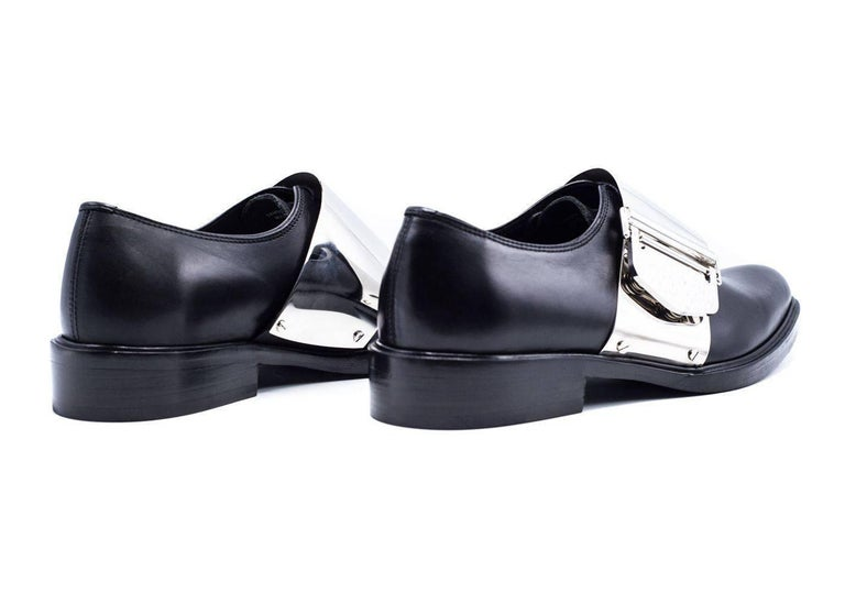 Givenchy Men's Black Leather Richelieu Oxfords In New never worn Condition For Sale In Brooklyn, NY