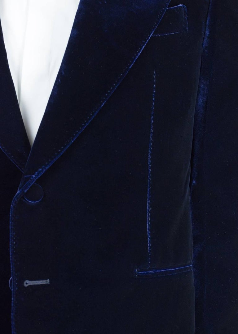 Made for a slim yet comfortable fit from plush velvet, Tom Ford's iconic 'Shelton' jacket is the coolest way to add some pep to your eveningwear. It's tailored with sharp peak lapels and fully lined in satin for a smooth profile. Catch the right