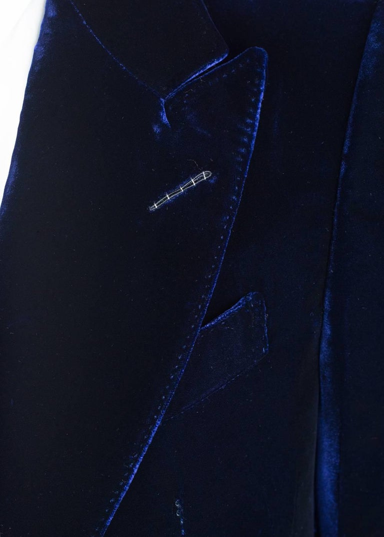 Tom Ford Navy Shelton Slim Fit Velvet Tuxedo Jacket In New never worn Condition For Sale In Brooklyn, NY