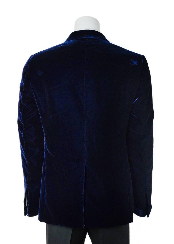 Men's Tom Ford Navy Shelton Slim Fit Velvet Tuxedo Jacket For Sale