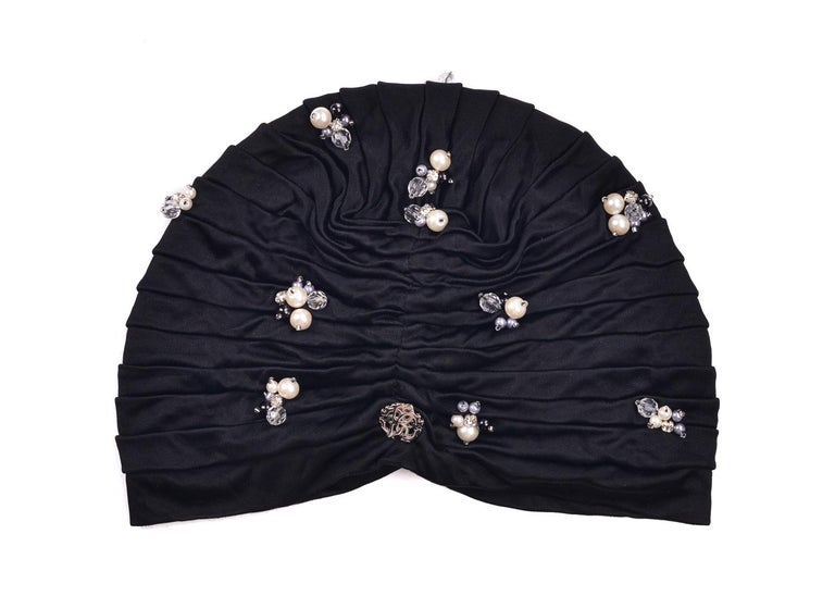 Roberto Cavalli Women Black Pearled Stone Applique Tiered Turban In New Condition For Sale In Brooklyn, NY