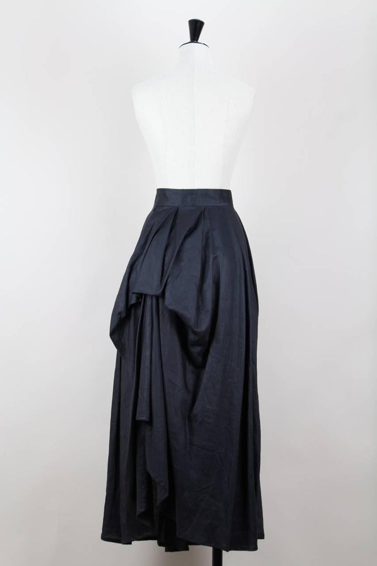 Yohji Yamamoto Charcoal Grey Linen Draped Maxi Skirt, 1990s  In Excellent Condition For Sale In Munich, DE