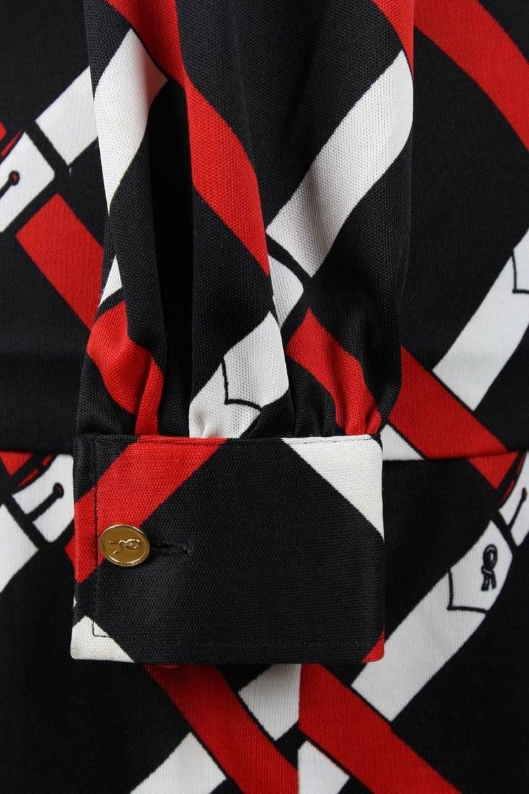 Roberta di Camerino 1977 Black Jersey Signature Belt Print Two Piece Dress For Sale 3