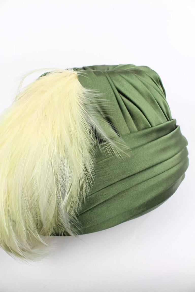 Pleated Olive Green Silk Satin Hat Adorned With Peach Feathers, 1950s For Sale 2
