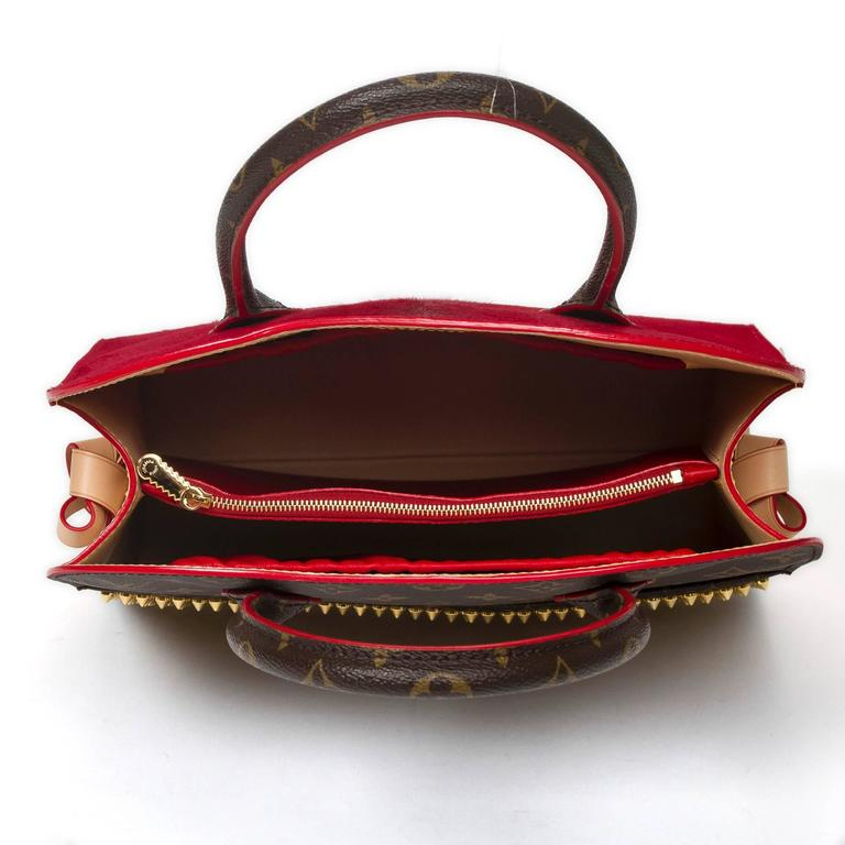 Iconoclast Christian Louboutin Shopping Bag For Sale 1