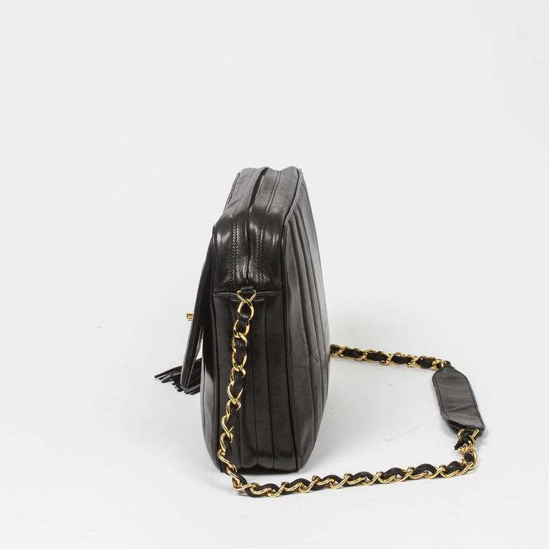 Chanel - Vintage Tassel Shoulder Bag Black Vertical Quilted Leather In Excellent Condition For Sale In Dublin, IE