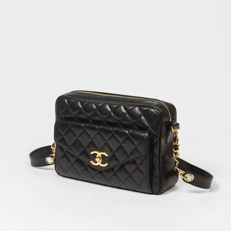 Chanel Vintage shoulder bag in black quilted lambskin 2