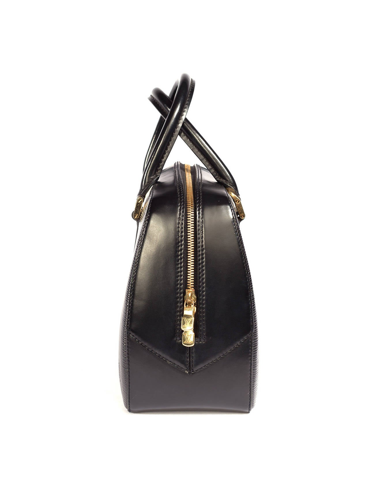 louis vuitton brand extensions Sixteen year old louis vuitton moved to paris with the dream of creating an iconic trunk collection that would change the way people travel since the 1800s, the label has expanded to create some of the most iconic bags and coatings in the world.