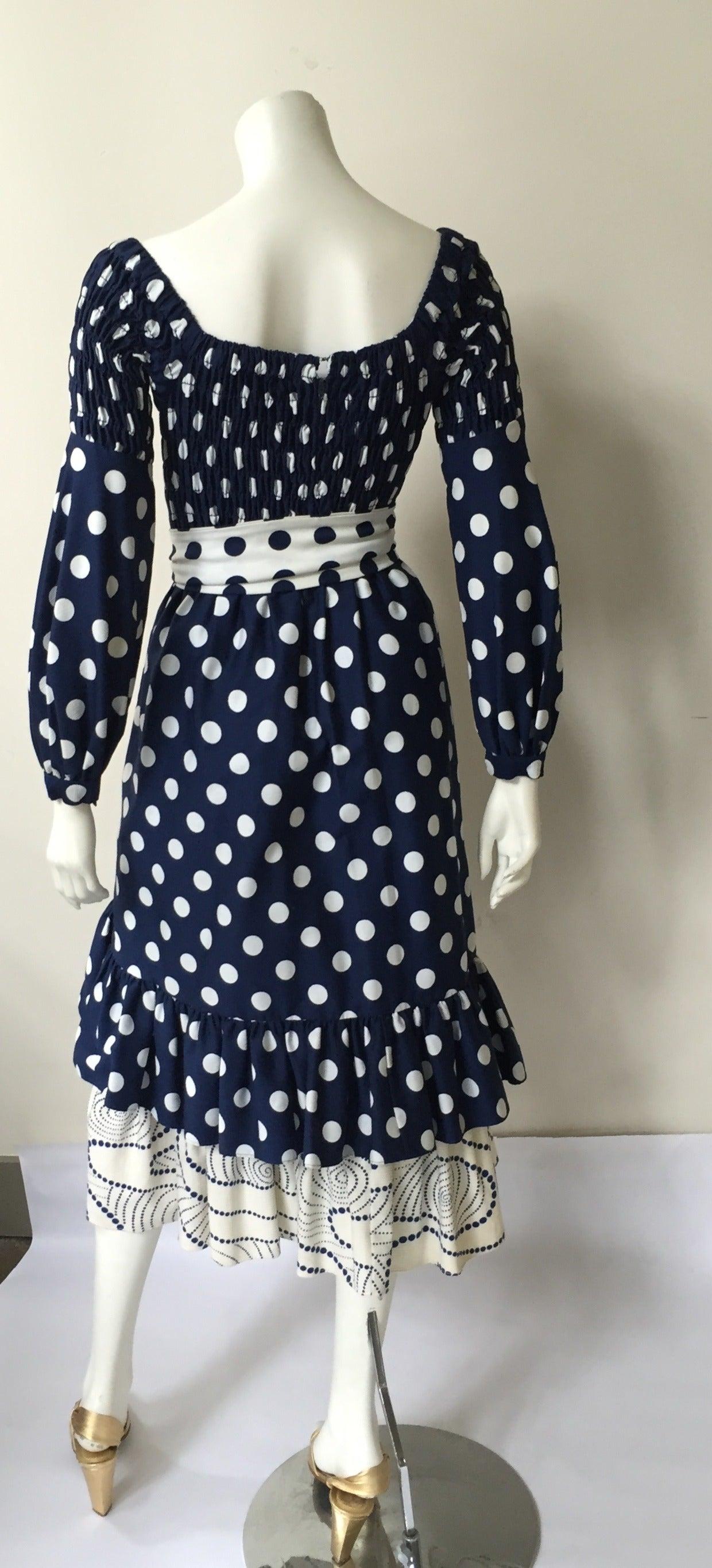 Oscar de la Renta 1970 polka dot Harper's Bazaar dress cover size 4. In Good Condition For Sale In Atlanta, GA